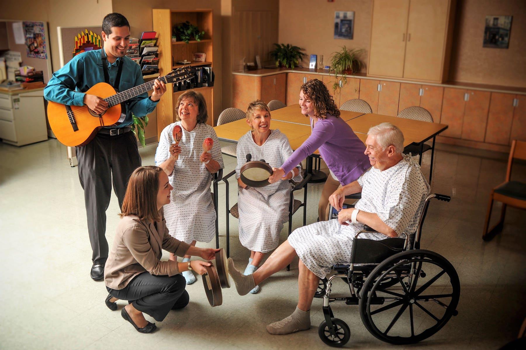micro concierto musicos por la salud